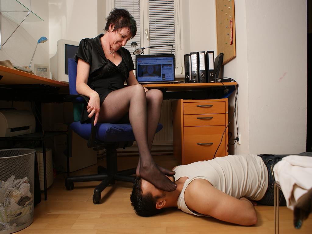 Feet Smelling 148