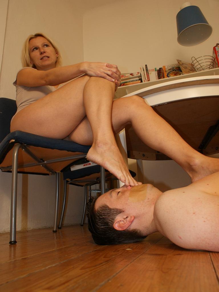 Feet Smelling 150