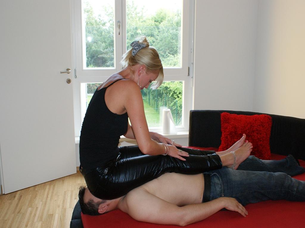 Hose Sitting 130