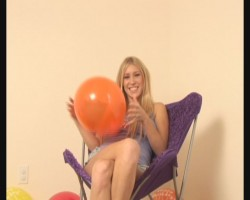 Blondie Balloon Fun